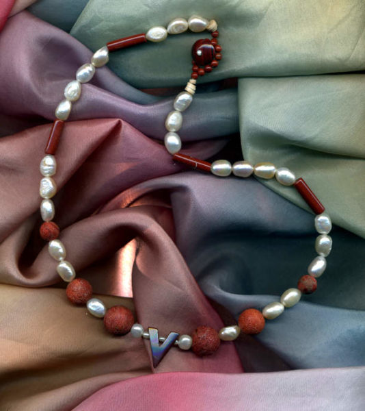 Perlen, Korallen, Jaspis